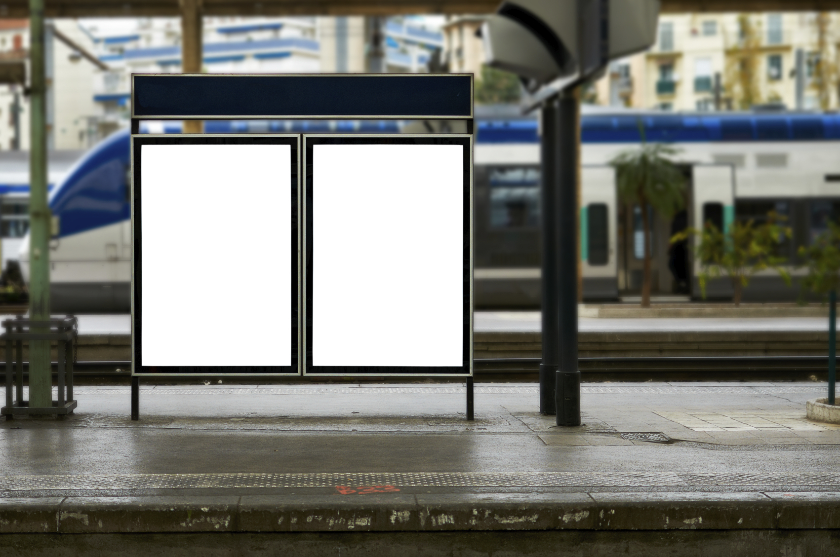 Consumers Sans Smartphones Don 39 t Notice Outdoor Ads As Much B amp T