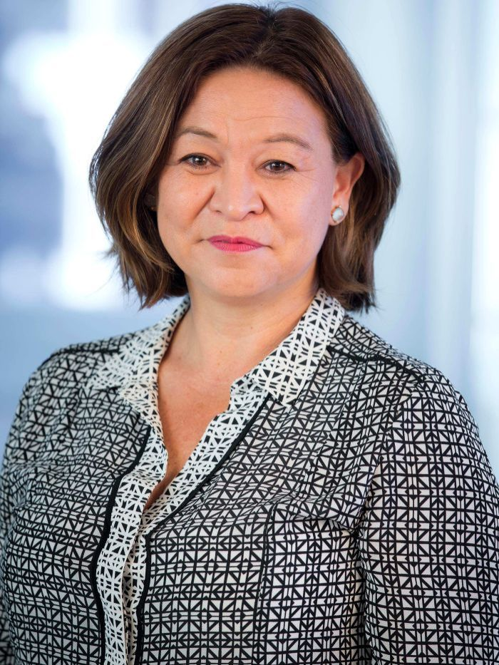 michelle guthrie - photo #2
