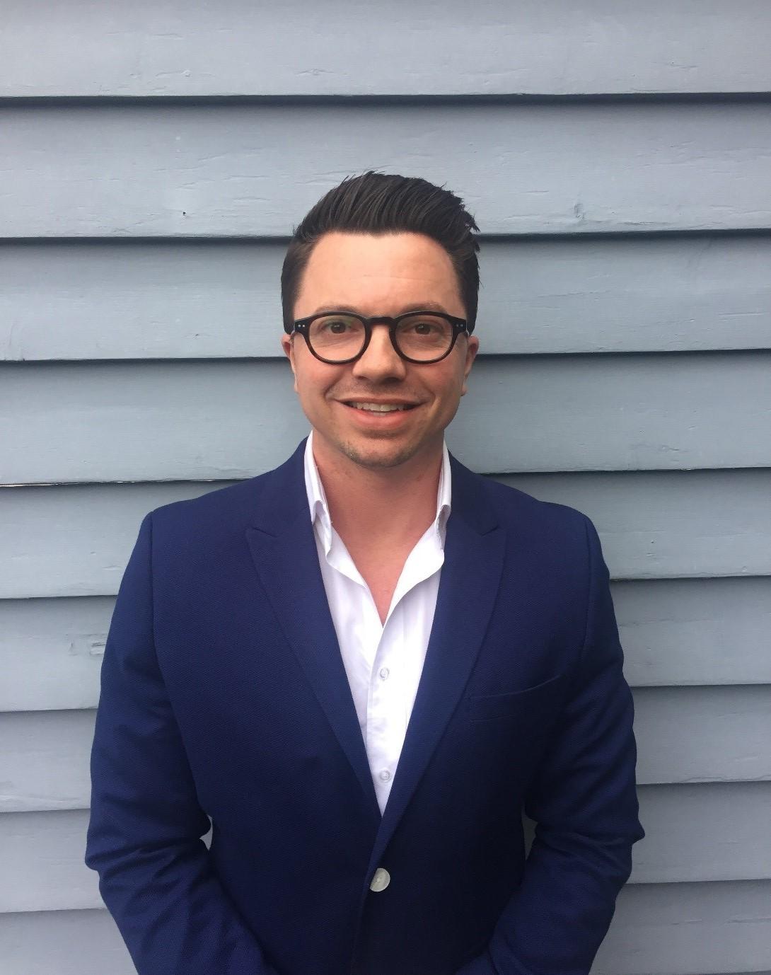 Sam Harris Client Service Directo Starcom Melbourne