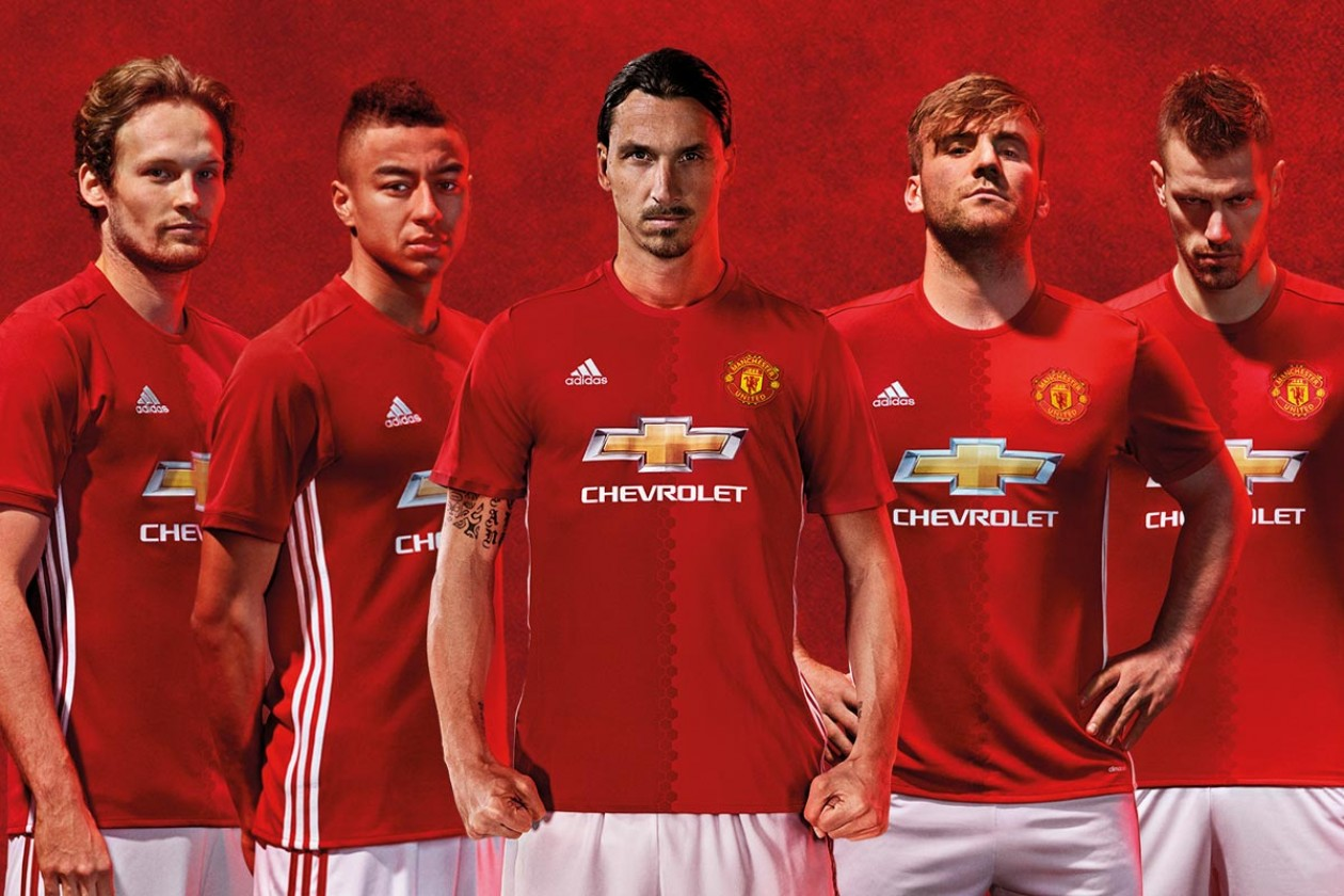 19ef3ef5f78 Man Utd Players Warned Not To Swap Shirts For Upsetting Sponsor Dollars