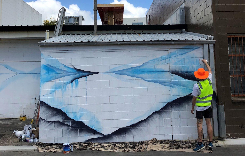 Golden Walls - Davison Lane project (artist, Shida)