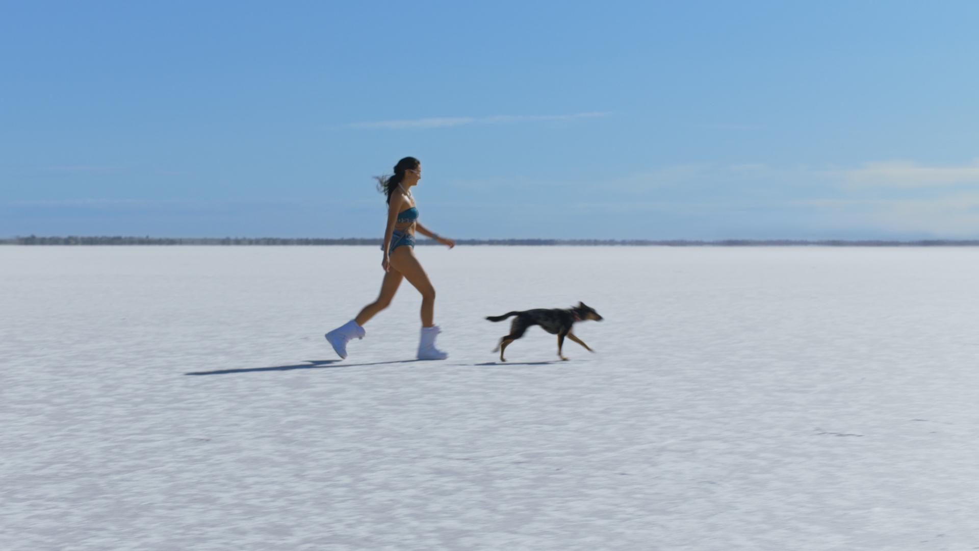 GIRL_AND_DOG