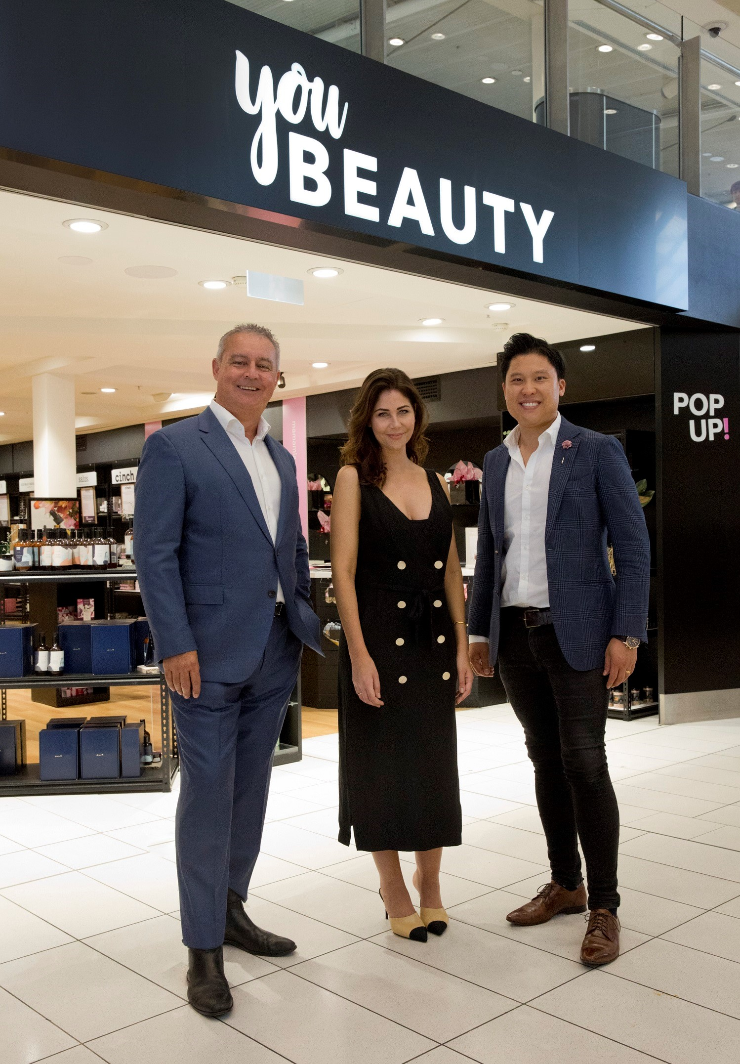 L to R General Manager Retail Sydney Airport Glyn Williams, Executive Editor Mamamia Leigh Campbell, Director APGP Edward Tanzil