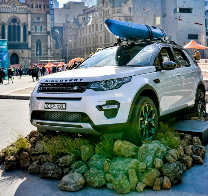 Land Rover Most Successful Luxury Car Brand On <b>Social</b> Media thumbnail